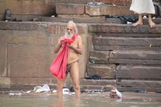 160927 023 Varanasi - Ganges ghats bathing