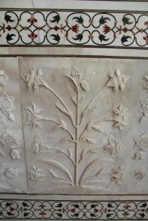 IMG_2803 Agra - Taj site - Taj exterior plant motifs