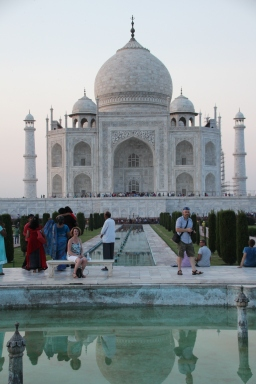 IMG_2828 Agra - Taj site - Ivana on Lady Di seat
