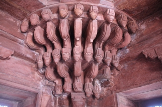IMG_2921 Fatehpur Sikri Fort - Diwan-i-Khas carved corner support