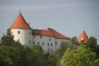 180430 04 xxx Castle en route to Postonja Caves IMG_7943