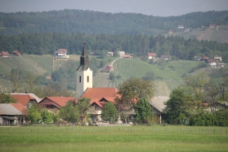 180430 05 Slovenian countryside en route to Postonja Caves IMG_7947